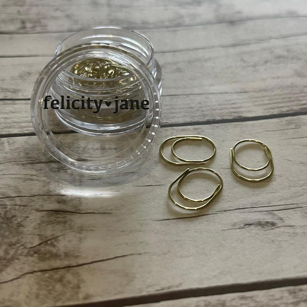 Clips- Felicity Jane Golden