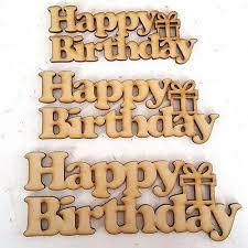 Crafters Square- Aplique de Madeira Happy Birthday