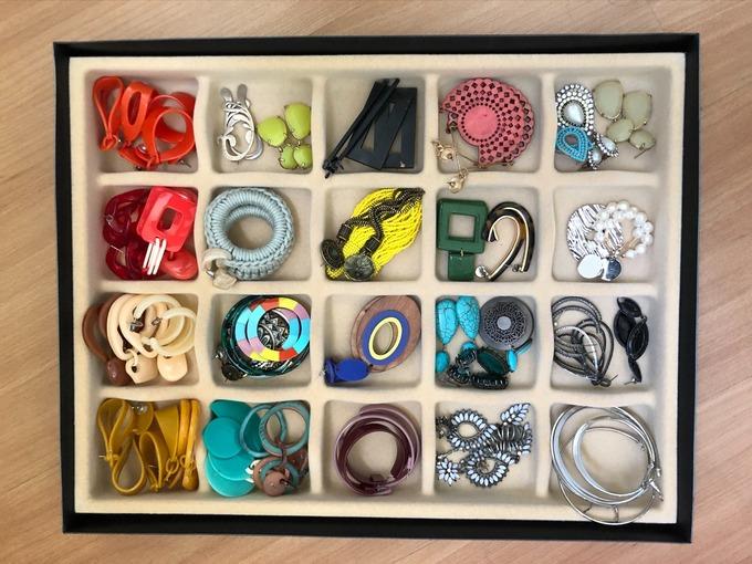 Organizador de joias e acessórios bandeja veludo com 20 divisórias