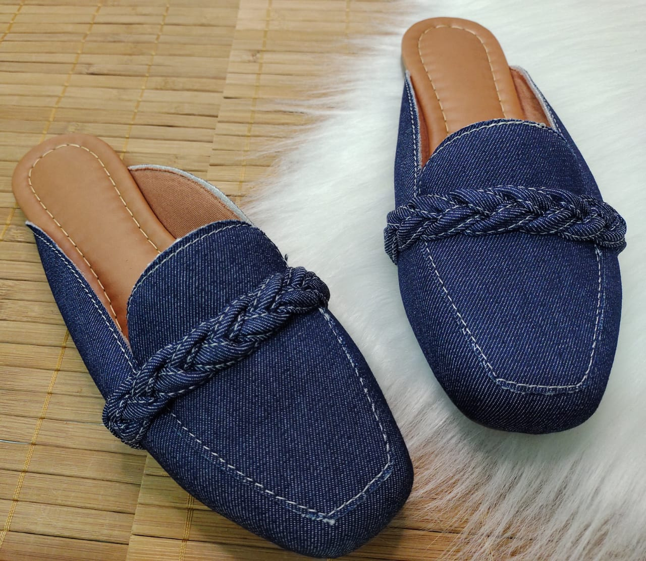 Mulle  Confort Palmilha Confort - Jeans Com Detalhe de Corda do Mesmo Material.