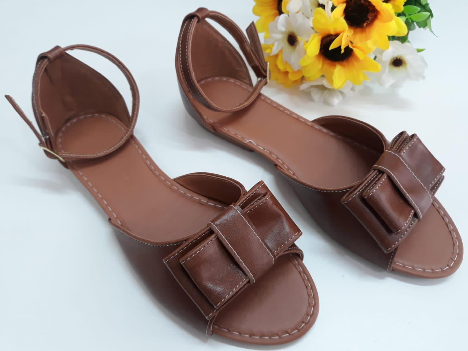 Sandália marrom fosco