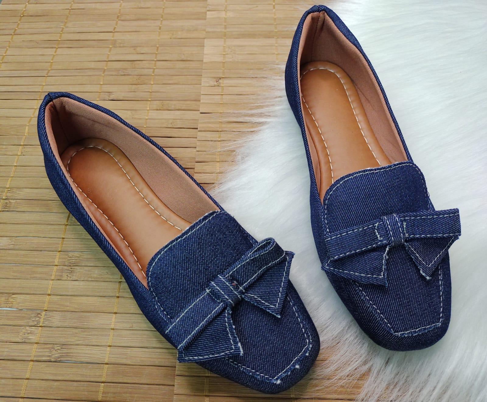 Sapatilha Palmilha Confort - No Jeans Com Laço do Mesmo Material.