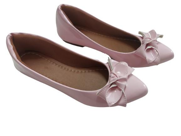 Sapatilha rosa verniz com laço no mesmo material