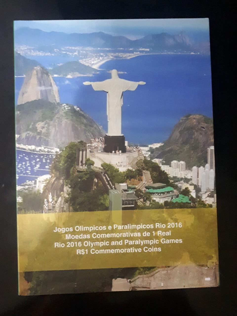 Álbum com as 16 moedas das Olimpíadas - FC