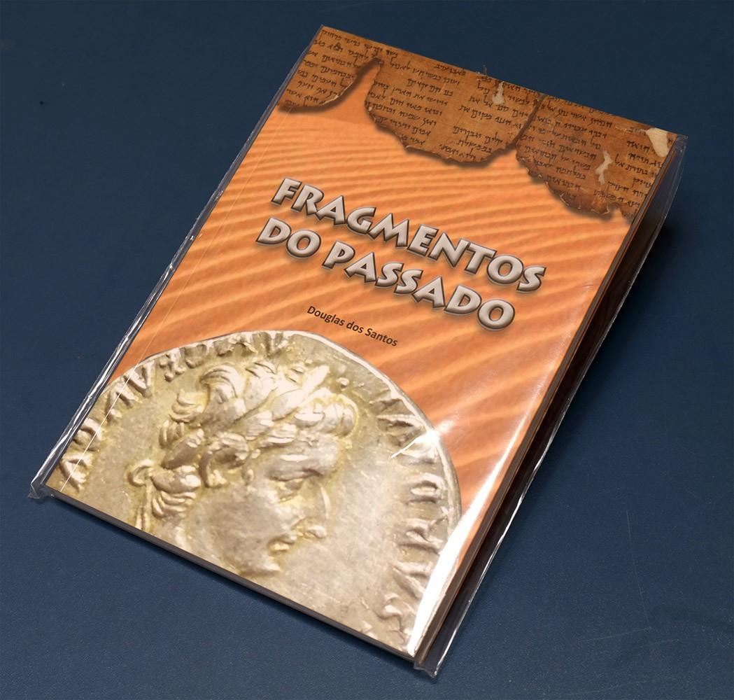 Livro Fragmentos do Passado - Douglas dos Santos