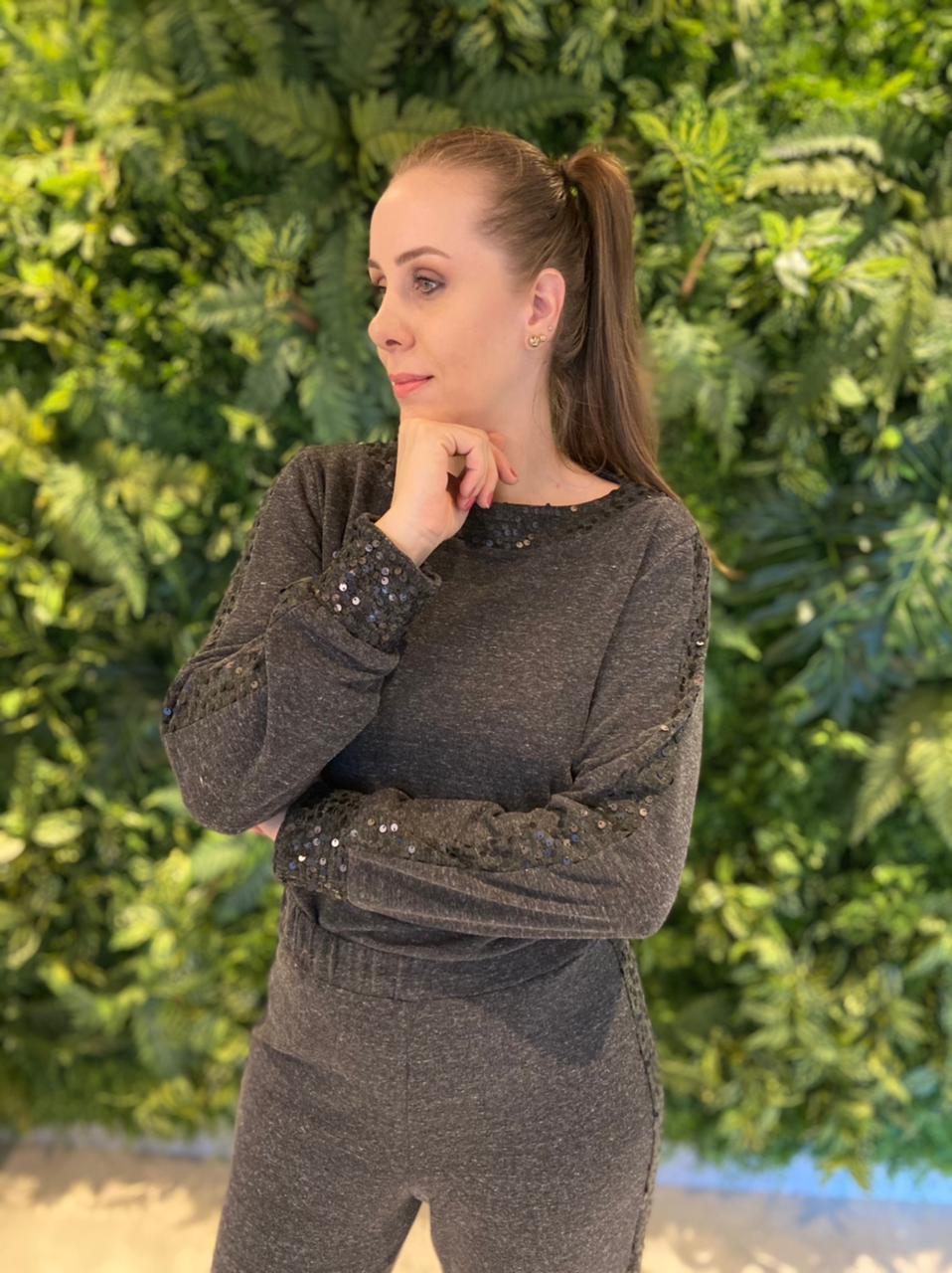 Blusa Decote Cinza Escuro Maria Valentina