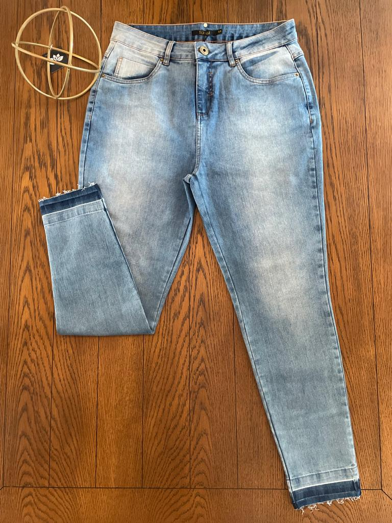 Calça Skinny Jeans Bolso Bordado Tigrara