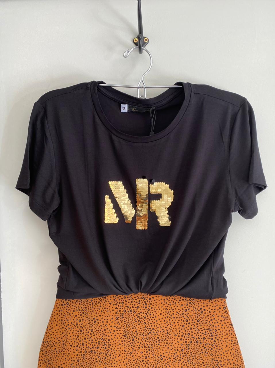 T-shirt Bordada Morena Rosa