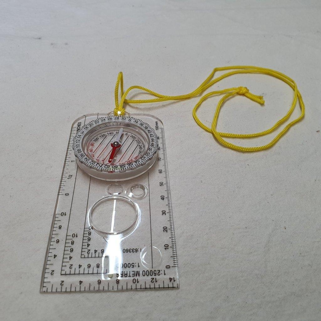 Bússola Magnética - Régua - Acrílica - Lupa - Compasso - Brilha No Escuro - ASTROLUA