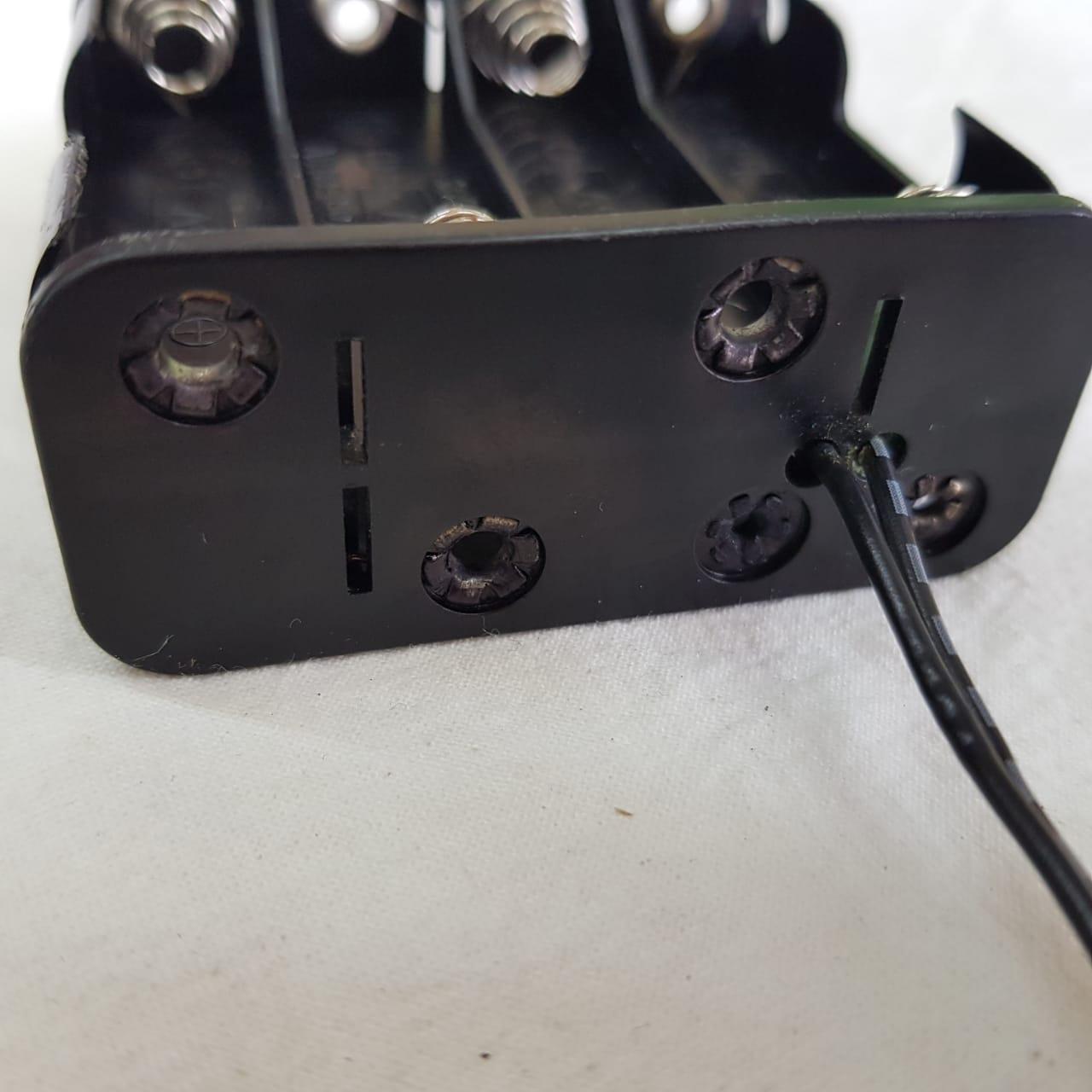 Porta Pilhas AA - 6V ou 12V  -  8 slots + Cabo com Plug P4 - ASTROLUA