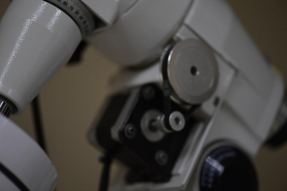 Telescópio 127mm f/11.8 - Maksutov Cassegrain + EQ5 com Sistema ON STEP - GO TO - SKYWATCHER