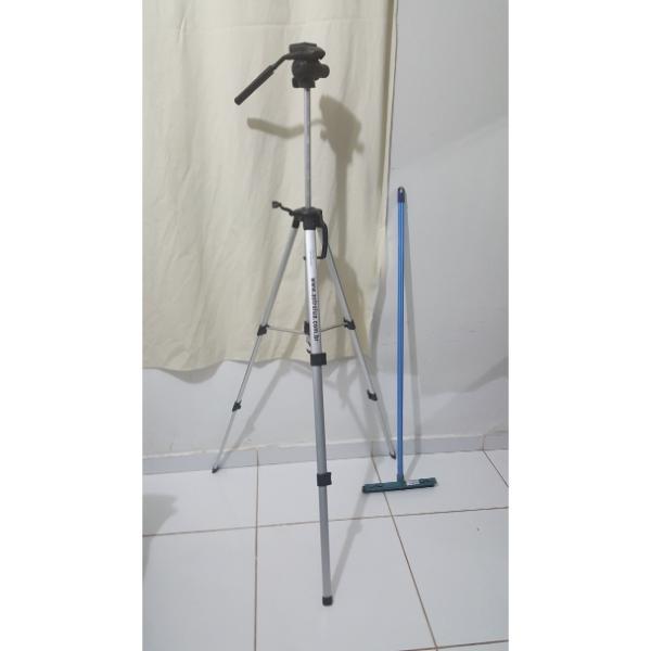 Tripe de Alumínio Pescoço de Girafa - 1,80Mts - 360º de Rotação - ASTROLUA