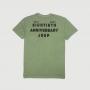 Camiseta Masc. Raglan c/ Bolso JEEP 80th Anniversary Block Estonada - Verde Militar
