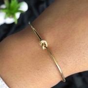 Bracelete Semi Jóia Com Nó Tamanho Regulável Folheado A Ouro 18k