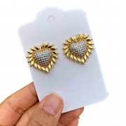 Brinco Semijoia Coração Com Aplicações De Ródio Branco E Bordas Dourada Folheado A Ouro 18k