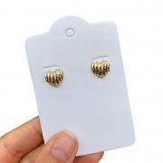 Brinco Semijoia Coração Pequeno com Aplicação de Caneta Ródio Folheado a Ouro 18K