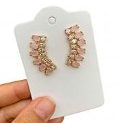 Brinco Semijoia Ear Cuff com Zircônias e Cristal Rosa Claro Leitoso Folheado a Ouro 18K