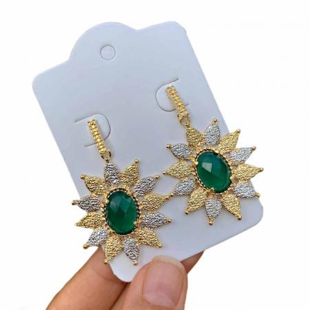 Brinco Semijoia Flor com Cristal Verde Escuro e Aplicação de Caneta Ródio Folheado a Ouro 18K