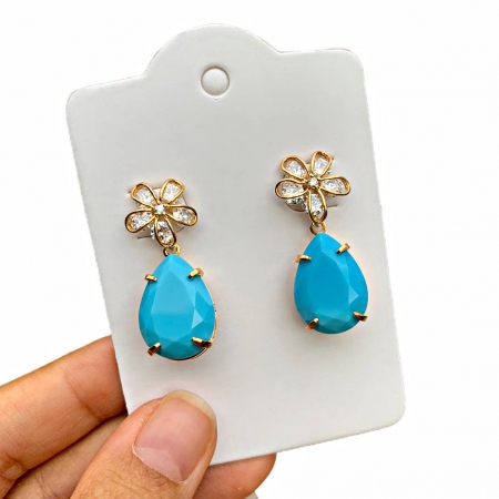 Brinco Semijoia Flor com Pingente Pedra Azul Folheado a Ouro 18K