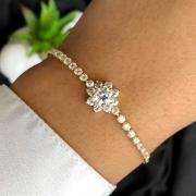 Pulseira Semijóia Com Flor Cravejada De Micro Zircônias Cristal Branco Folheada A Ouro 18k