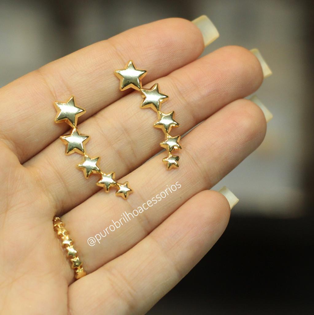 Brinco Semijoia Ear Cuff Formato de 5 Estrelas Folheado a Ouro 18K