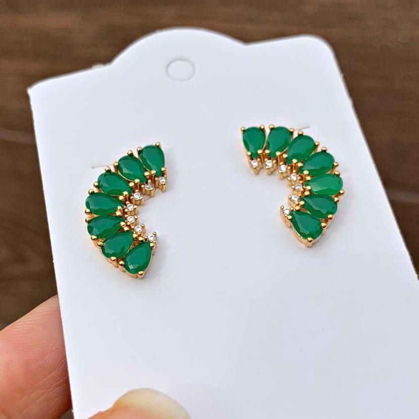 Brinco Semjoia Ear Cuff com Pedras Verde Leitoso e Micro Zircônias Cristal Branco Folheado a Ouro 18K