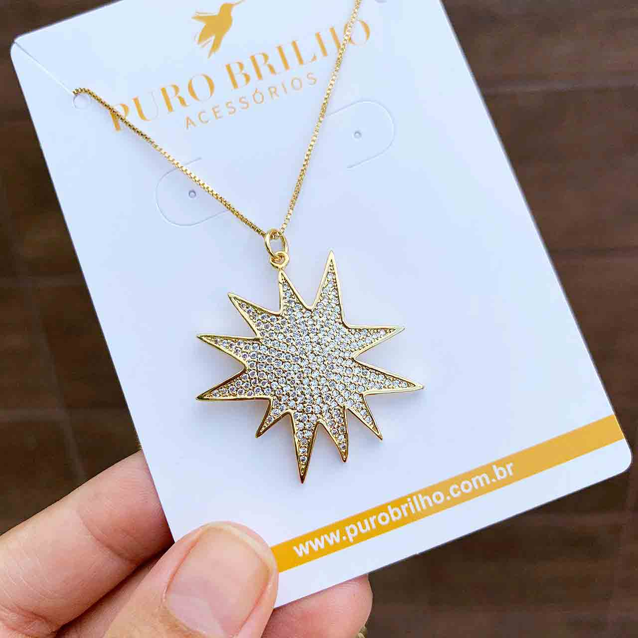 Colar Semijoia Com Pingente Estrela Disforme Cravejada Em Pedras Micro Zircônias Folheado A Ouro 18k