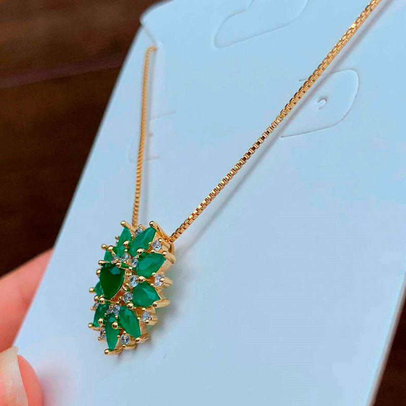 Colar Semijoia Coração Cravejado De Zircônias E Pedra Verde Folheado A Ouro 18k