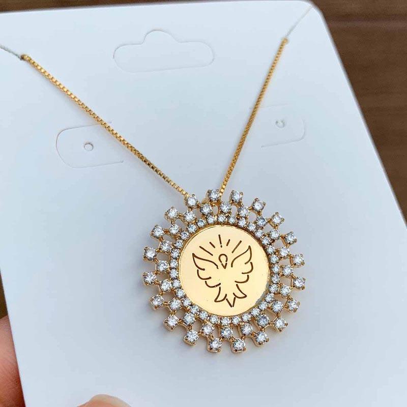 Colar Semijoia Mandala Espírito Santo Cravejado Com Pedra Cristal Folheado A Ouro 18k