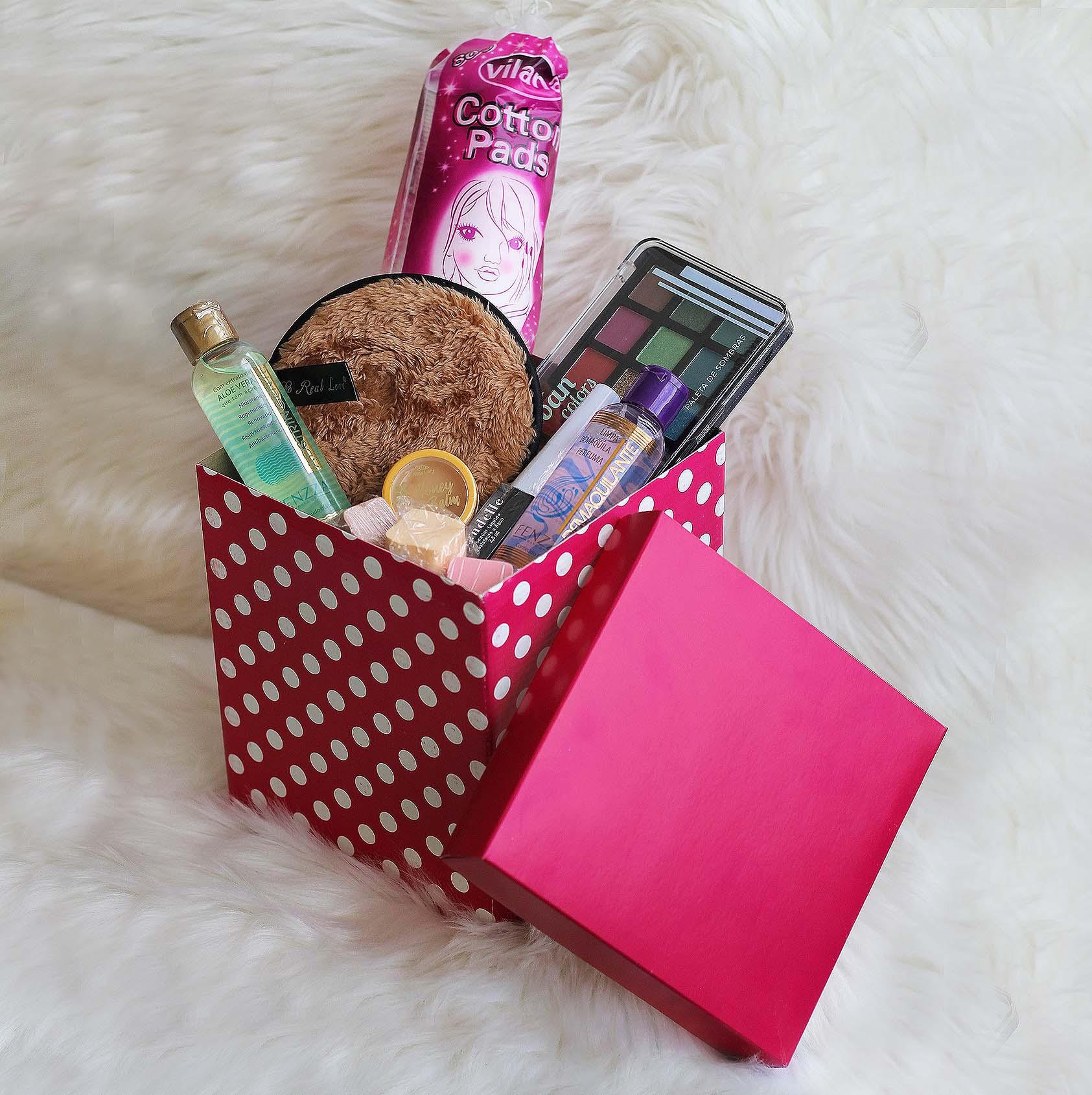 Kit de Maquiagem e Skin Care com Caixa Média para Presente 03