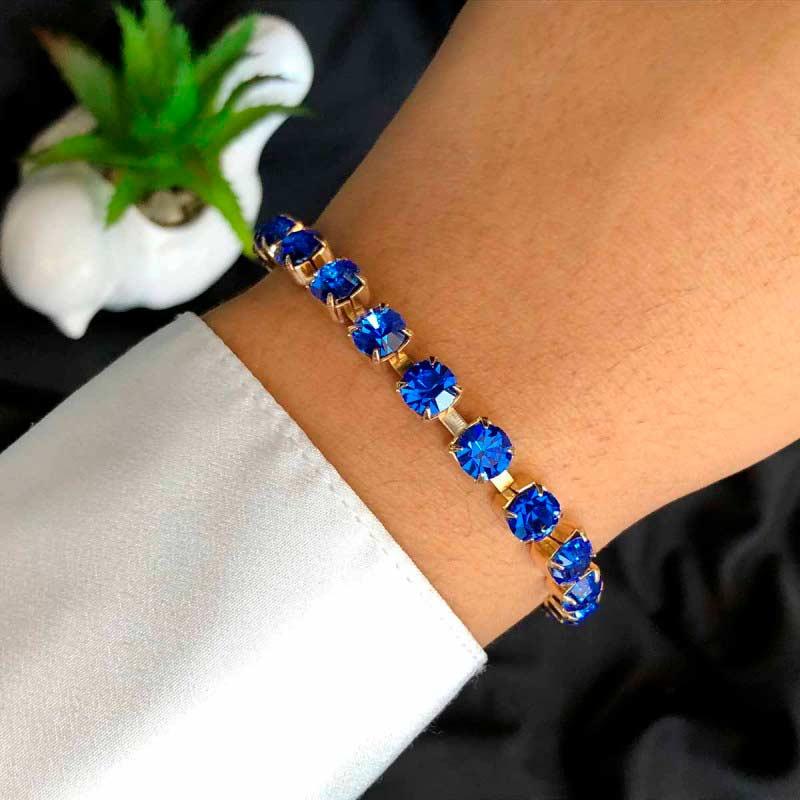 Pulseira Semijoia Com Pedras Em Cristal Azul Escuro E Fecho Extensor Folheada A Ouro 18k