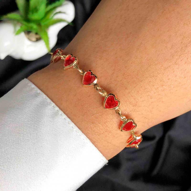 Pulseira Semijoia Com Pedras Vermelhas Em Formato De Coração Folheada A Ouro 18k