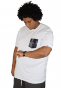 Camiseta Básica Com Bolso Estampado Plus Size