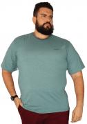 Camiseta Listrinha com Bordado Plus Size - Promoção