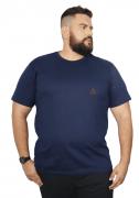 Camiseta Malha Confort com Etiqueta Triangular Plus Size