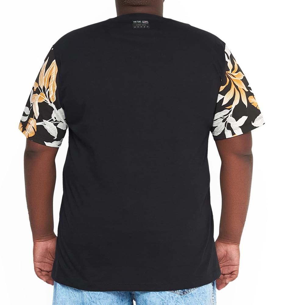 Camiseta Manga e Bolso Floral Plus Size - Promoção