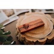 Promoção 30% off - Pen Drive de Peróba Rosa / Pinus - SanDisk