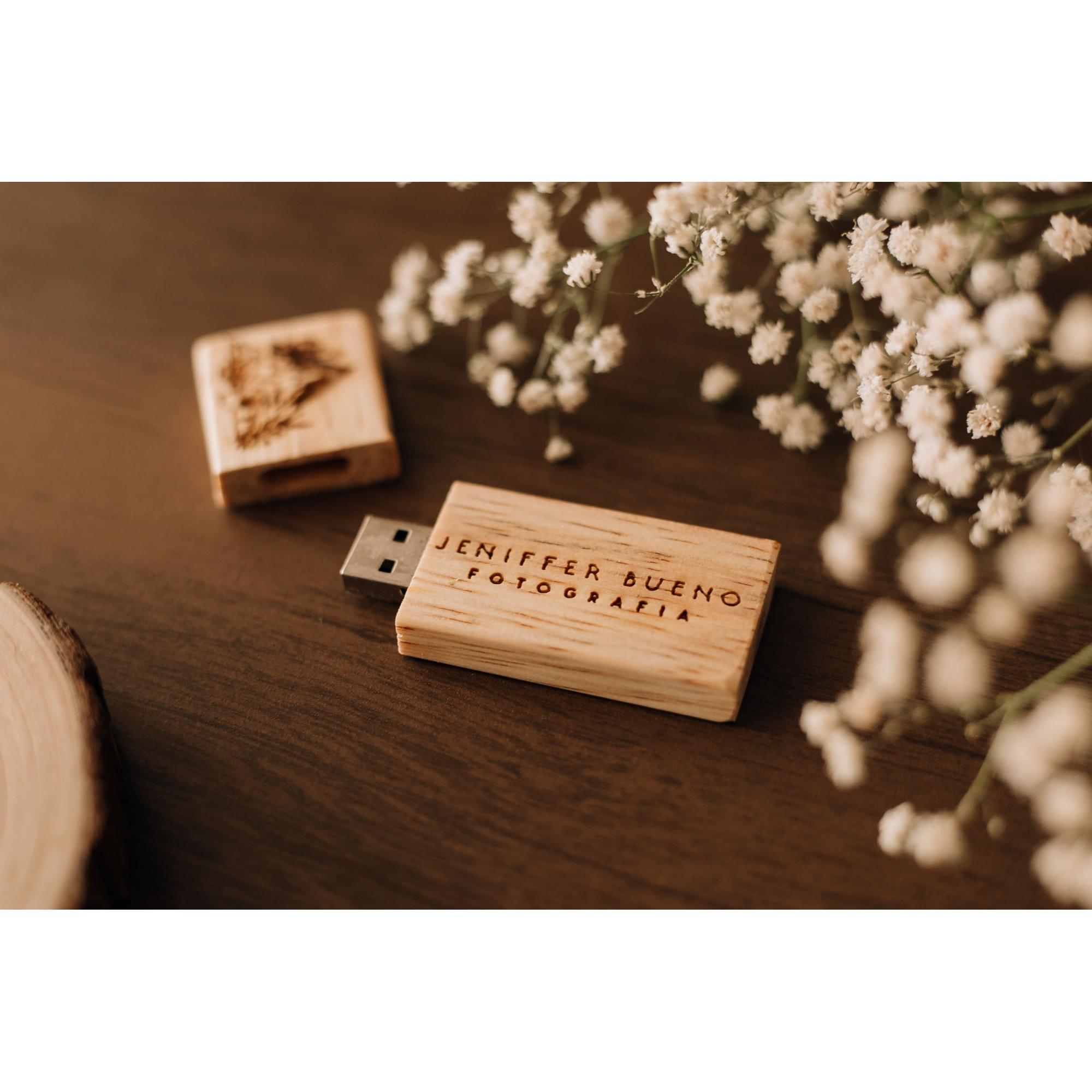 Promoção DOBRO - Pen Drive de Peróba Rosa / Pinus - SanDisk