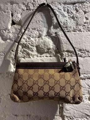 Bolsa Gucci Mini Pochete Monograma