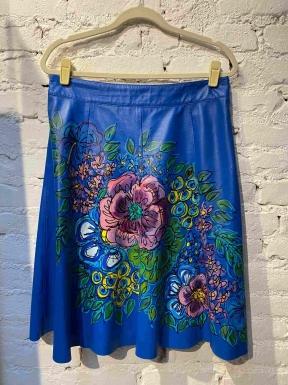 Saia Patricia Vieira Couro Azul Com Flor