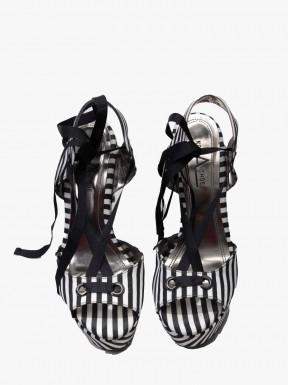 Sandália Not A Shoe Listras Pedrarias