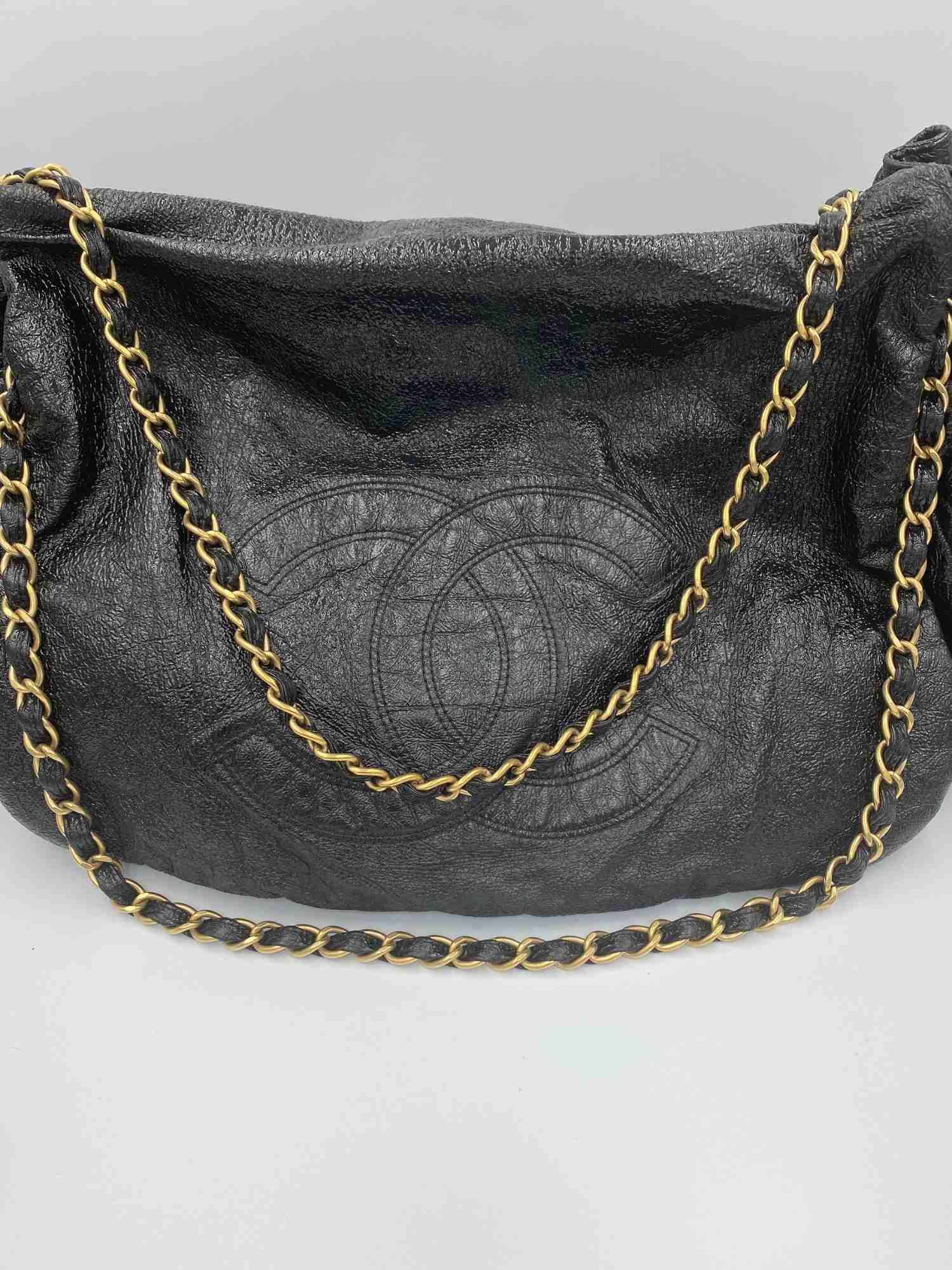 Bolsa Chanel Trimmed Accordion Vinil Preta