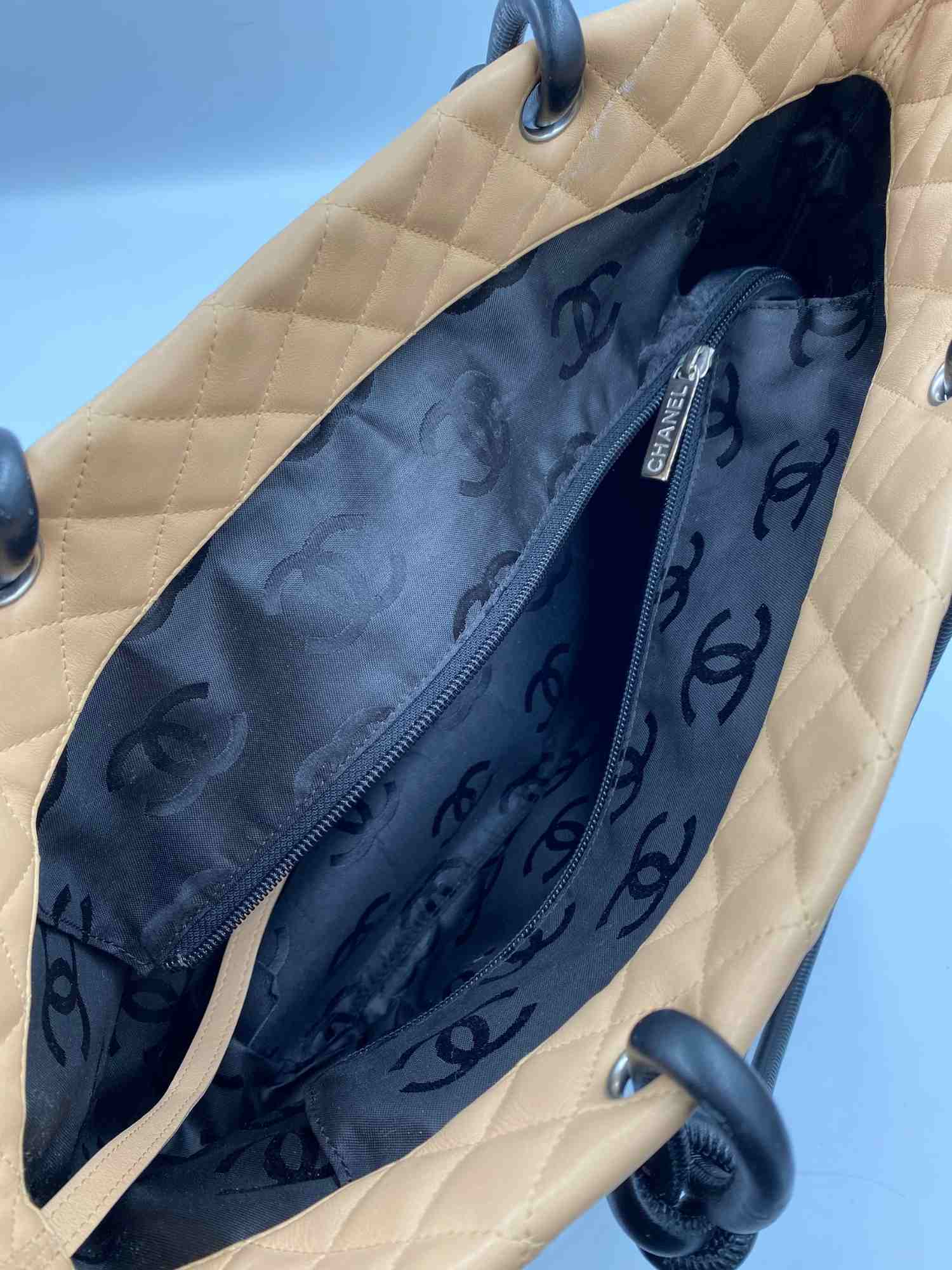 Bolsa Chanel Cambon Tote Bicolor