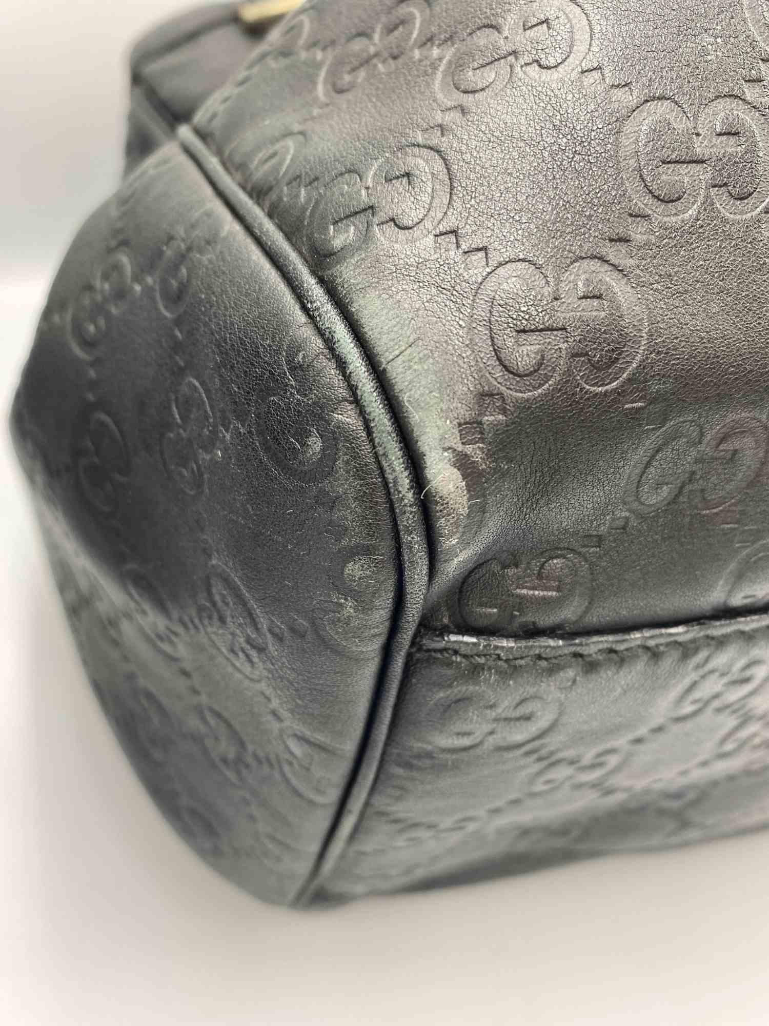 Bolsa Gucci Sukey GG Preta