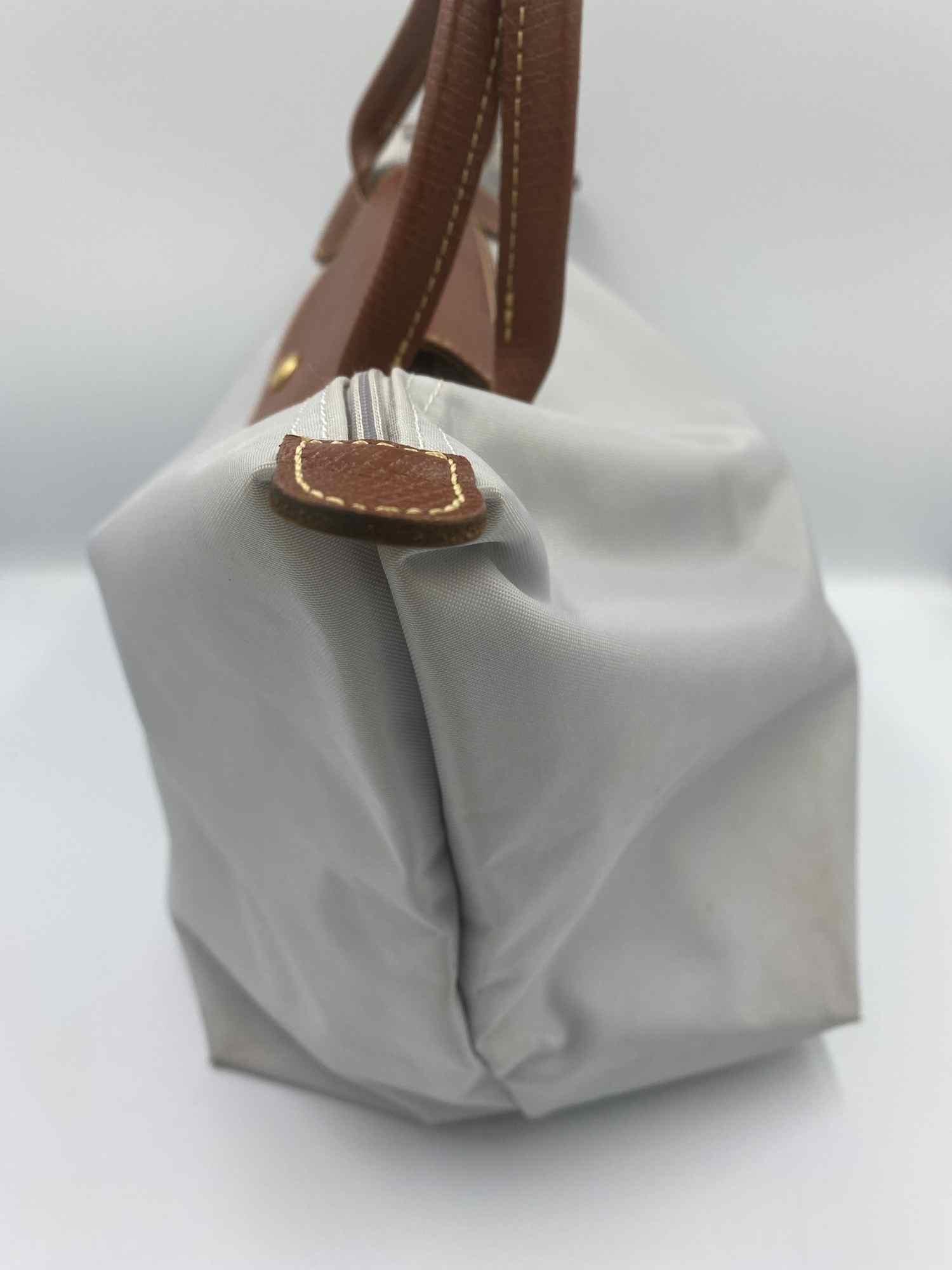 Bolsa Longchamp Le Pliage Cinza Média