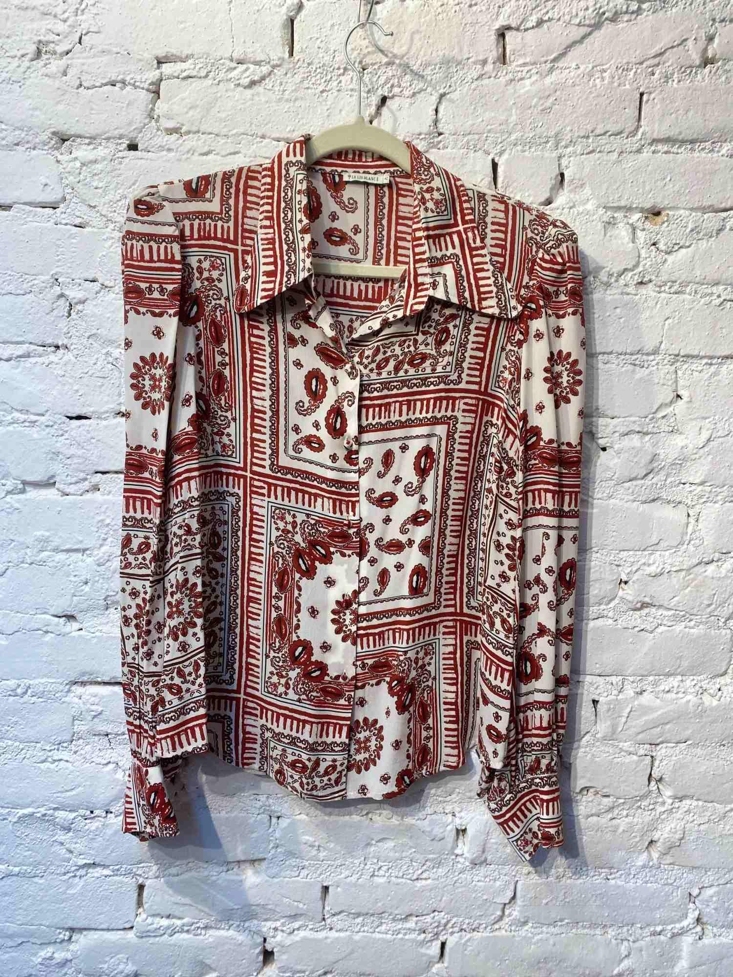 Camisa Le Lis Blanc Seda Bocas Vermelhas