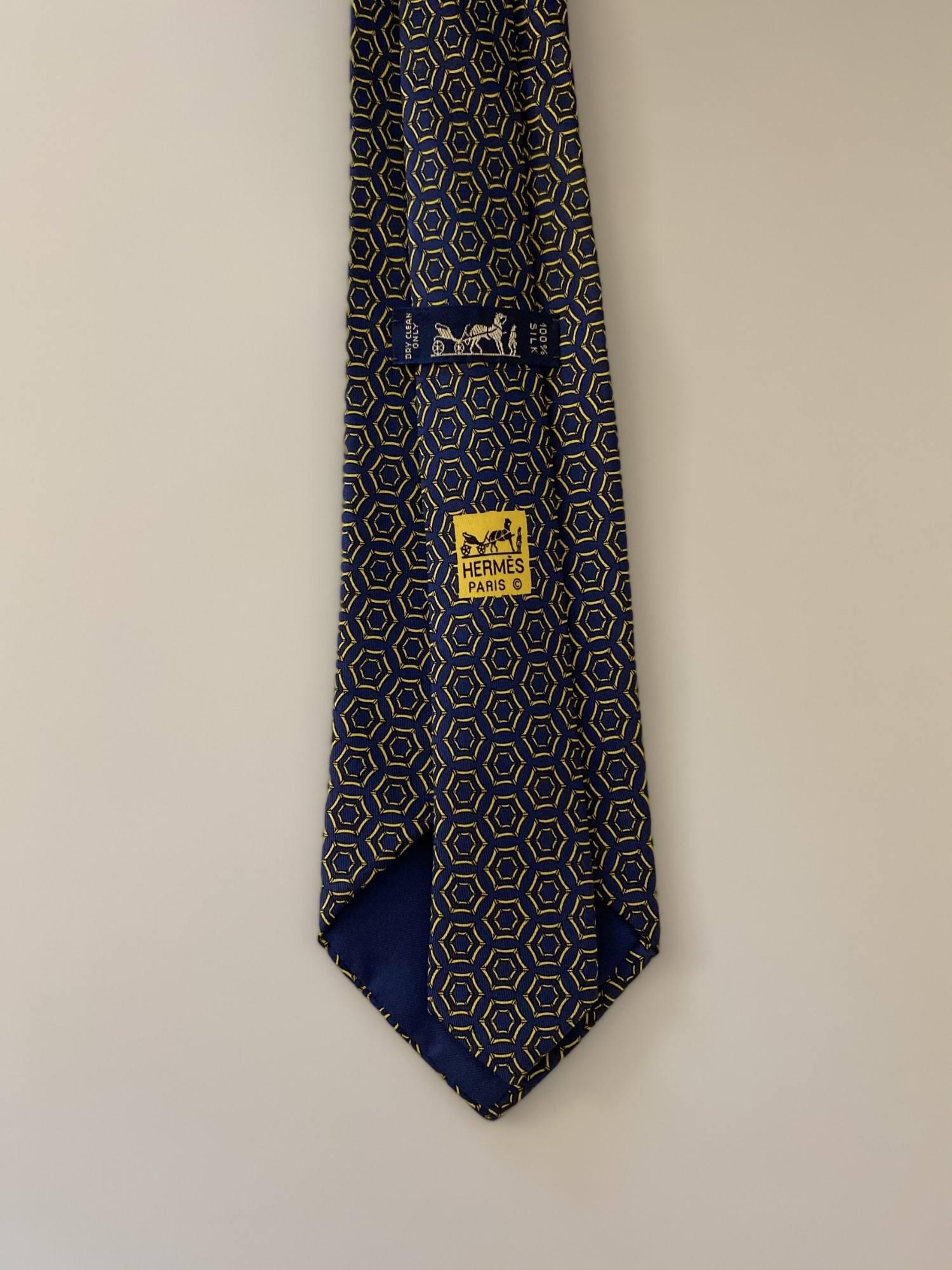 Gravata Hermès Azul Marinho e Amarela