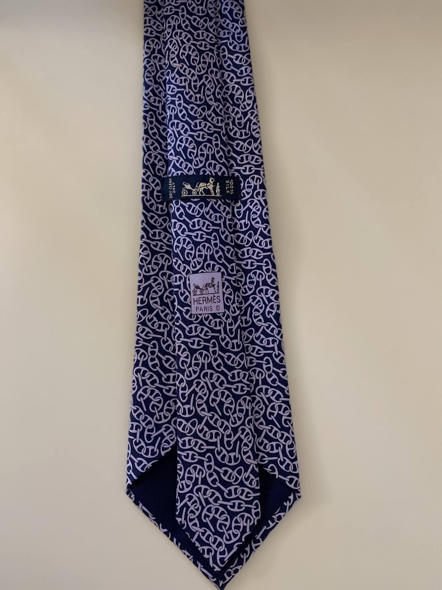 Gravata Hermès Azul Marinho e Lilás