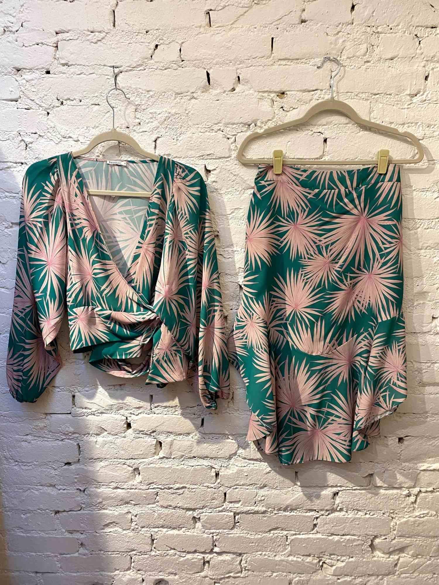 Saia e blusa Le Lis Blanc Verde e Rosa