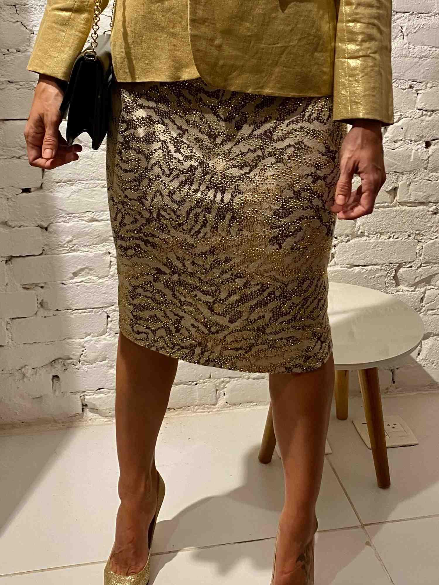 Saia St. John Couture Pedras Dourada